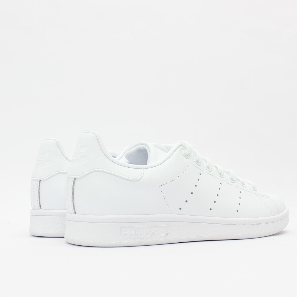 skate shoes on feet shots of best supplier ADIDAS ORIGINALS TRAINERS Stan Smith White Trainer