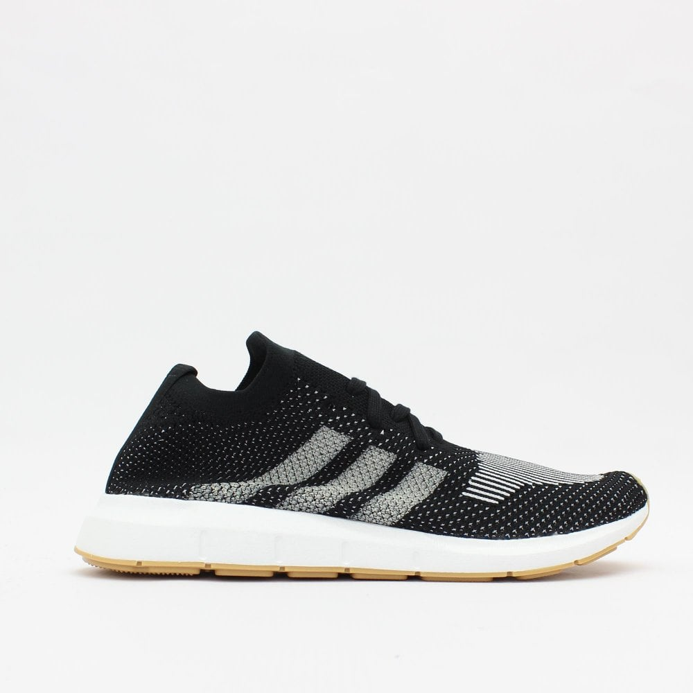 cheap for discount 5c31e fe452 ADIDAS ORIGINALS TRAINERS Swift Run Black Trainers