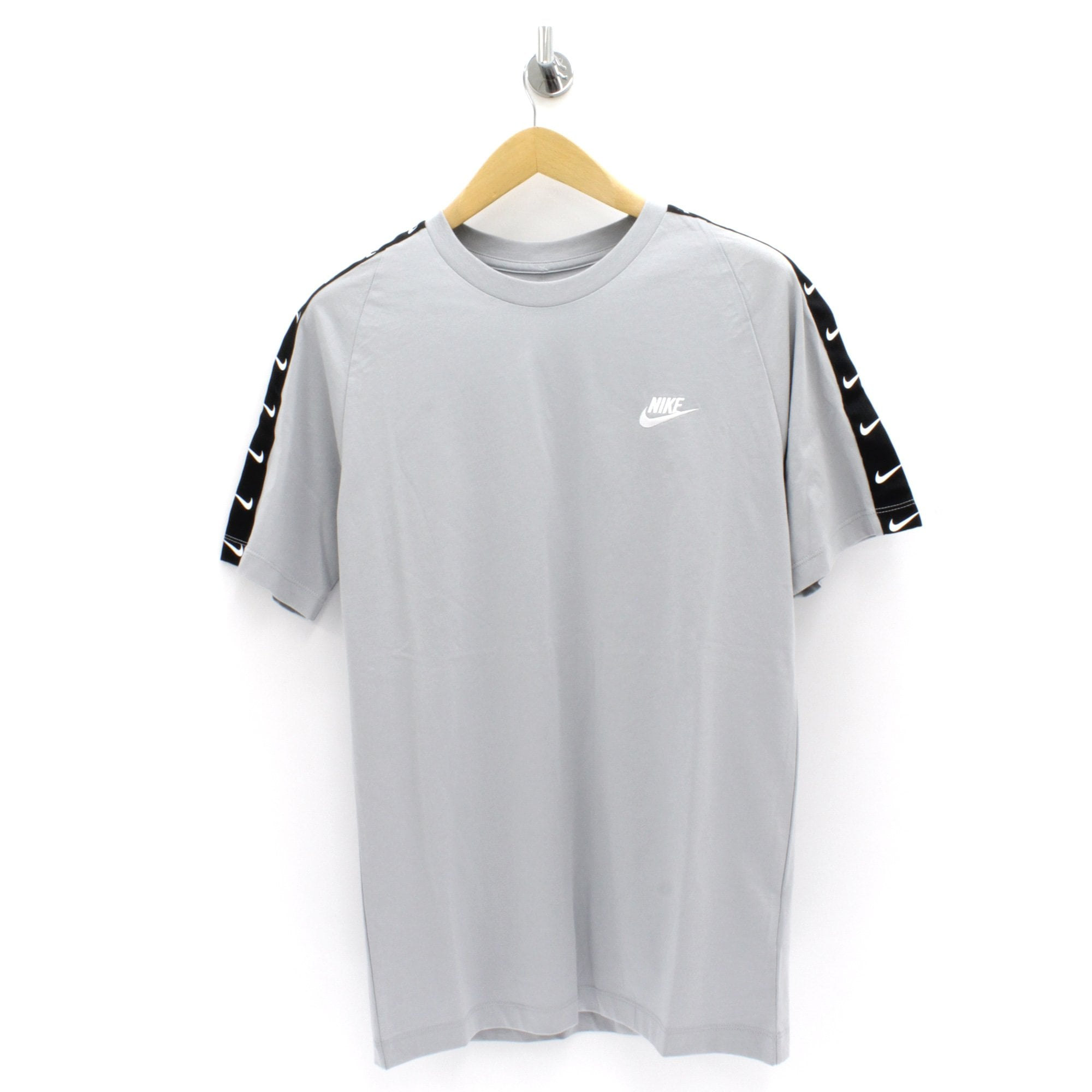 guerra procedimiento camión  NIKE CLOTHING Swoosh Tape Grey T Shirt - Mens from PILOT UK